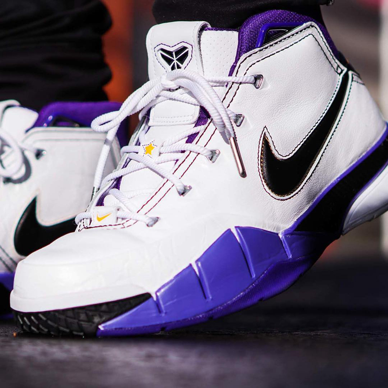"Zoom Kobe 1 Protro""81 Points"" 货号:AQ2728-105"