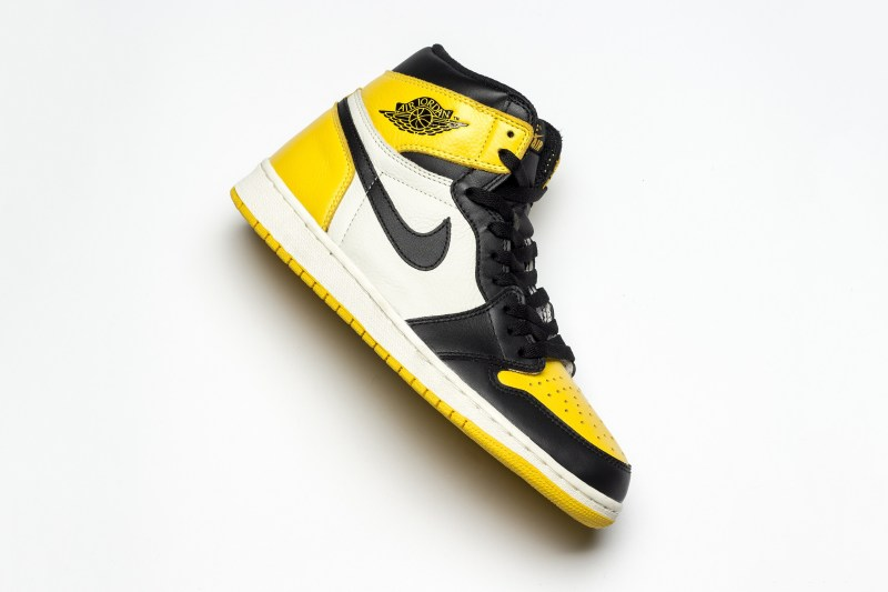 "Air Jordan 1 ""Yellow Toe"" 黑黄脚趾 货号:AR1020-700"