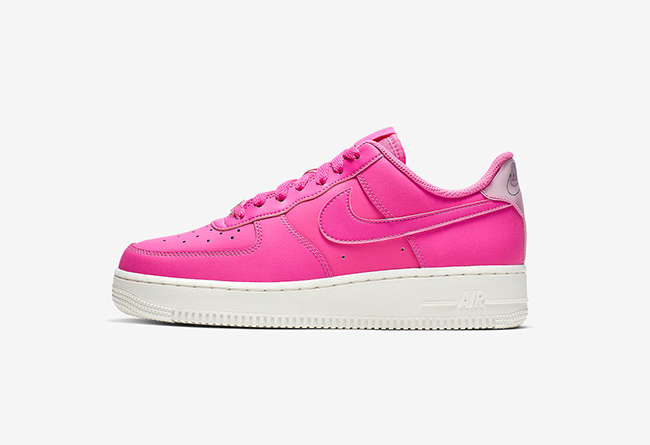Nike WMNS Air Force 1 '07 货号:AO2132-600
