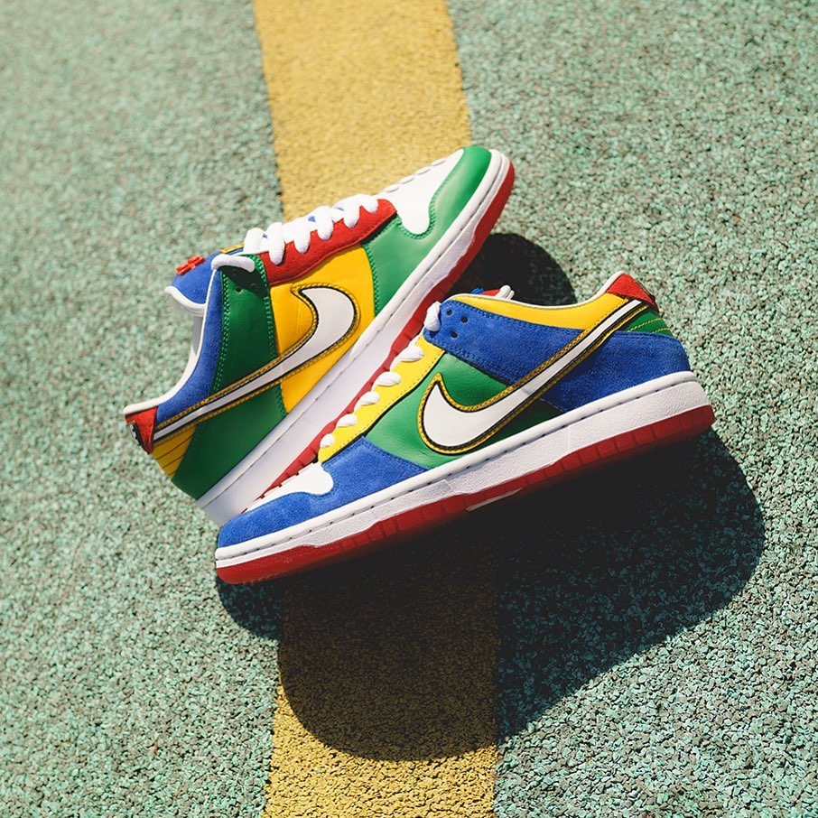 Lego x Nike Dunk SB Low 实物图欣赏。