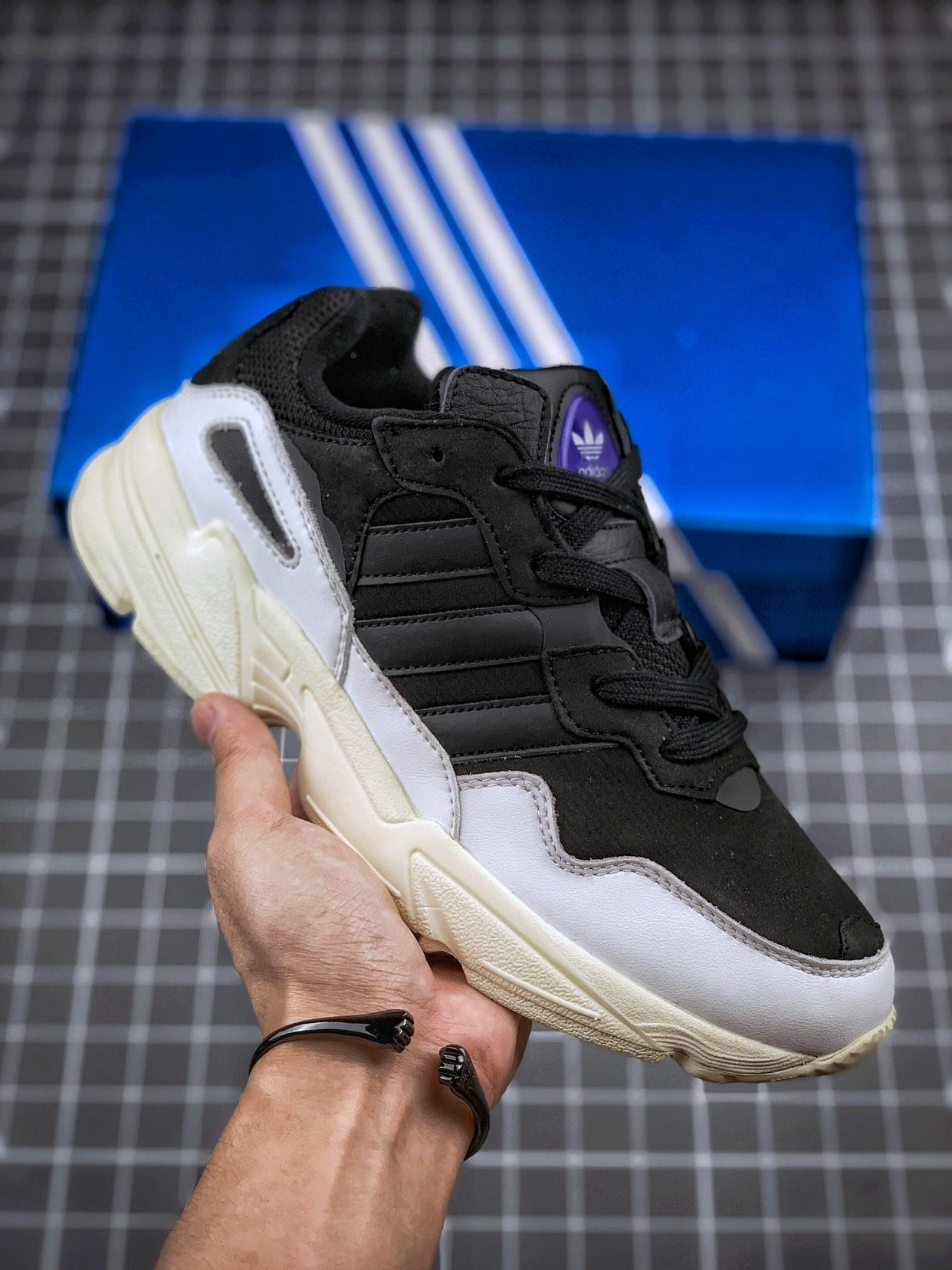 Adidas Originals YUNG-96 官方上架 经典元素 米白黑