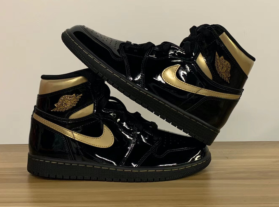 "Air Jordan 1 High OG ""Black/Metallic Gold""货号:555088-032"